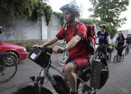 V Česku začínají jezdit první záchranáři na kolech