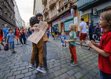 Staň se duší města a podpoř konání sousedských slavností