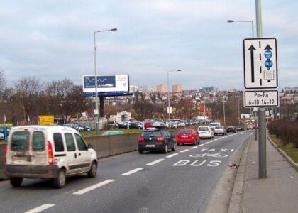 Neomezená platnost vyhrazených pruhů pro autobusy – kde dává smysl a kde ne?